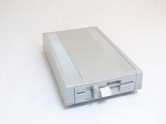 Atari XF551 Quelle: Planet IRATA Lizenz: CC-BY 4.0